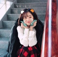 The KBS drama 'Jugglers' has done well with its first four episodes. Baek Jin-hee posted a cute picture of herself with two hot packs on her cheeks on SNS. Korean Actresses, Korean Actors, Choi Daniel, Baek Jin Hee, Korean Entertainment News, Empress Ki, Suspicious Partner, Short Legs, Drama Movies