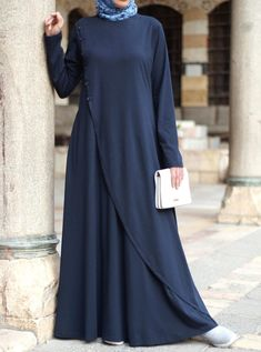 Are Overeating Quotes Printing Christmas Gift Ideas Abaya Fashion, Muslim Fashion, Modele Hijab, Islamic Clothing, Beautiful Hijab, African Attire, Muslim Women, Daily Wear, Dress Skirt