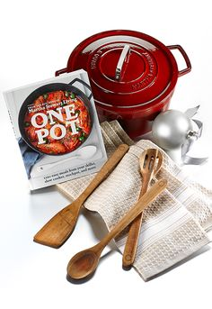 Martha Stewart's One Pot cookbook and enameled cast iron cookware make the ultimate gifting combination — all the foodies on your shopping list will definitely be happy come Christmas morn