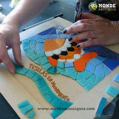 opus, andamento, lineas, juntas Mosaic Birds, Mosaic Art, Mosaic Planters, Picnic Blanket, Outdoor Blanket, Glass Photo, Cat Design, Glass Art, Mandala