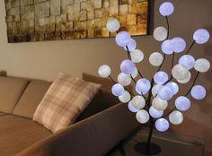 Lichterketten - LED Baum mit 35 Baumwollkugeln - weiss-cream - ein Designerstück von cottonlights bei DaWanda