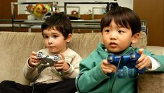Kedua, mengingat dampak negatif kebiasaan menonton pada perkembangan baca-tulis, Dr. Jerome Singer meyakini, yang paling baik adalah orangtua membatasi anak menonton TV sampai kebiasaan membaca dan menulisnya sudah mapan.  Ketiga, kalaupun anak menonton, bantulah agar otak depannya tidak tenggelam secara pasif. Temani anak, ajak berdiskusi tentang yang sedang ditonton.