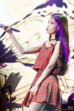 IU 151231 아이유 챗셔 앵콜콘서트 직찍 Korean Model, Korean Singer, Kpop Girl Groups, Kpop Girls, Kpop Outfits, Fashion Outfits, Ulzzang Couple, Girl Crushes, My Idol