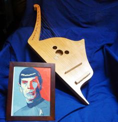 Make your own Acoustic Vulcan lyre, when you need to rock out with your Spock out. I will tell mommy this is what I wanted for this past birthday, and all future birthdays. Star Trek Party, Nerd Decor, Enterprise Ncc 1701, Nerd Herd, Geek Gadgets, Spock, Geek Chic, Big Star, My Favorite Music