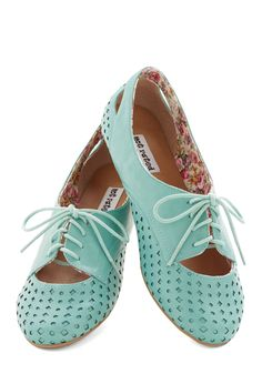 Refined Your Footing Flat in Turquoise. Even the simplest ensembles become oh so chic when you step into theseturquoise flats! #blue #modcloth
