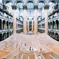 'the BIG maze', was a huge curving labyrinth installed in the hall of the national building museum in washington dc created by BIG/ bjarke ingels. more projects by #bjarkeingels on #designboom! #BIGarchitects #maze @bjarkeingels @nationalbuildingmuseum