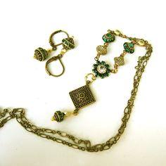 Vintage Style Emerald Necklace in Brass  by PETALTOMETALJEWELS, $48.00 #Victorian Emerald Jewelry
