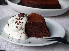 Kávés csokoládétorta, cukor és liszt nélkül. Recept: http://voroskaktuszdietazik.blogspot.hu/2015/08/kaves-csokitorta.html