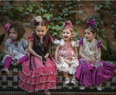 Sesión fotográfica de moda flamenca infantil de la firma Marta Arroyo para Bulevar Sur en la Casa Palacio Guardiola en Sevilla para comentar las tendencias