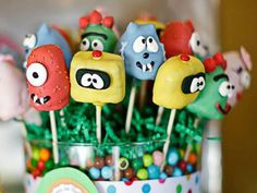 How Cute!  Yo Gabba cake pops!