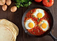 http://www.yesterhome.com/blogs/latest-news/5-reasons-to-cook-in-cast-iron-pans-th