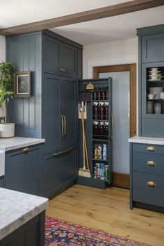 Jessica D'Itri Marés and Tyler Marés turned this fixer-upper tract house into the home of their dreams. #kitchen #DIY