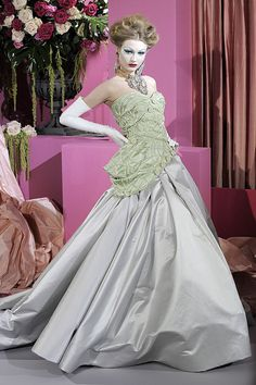 Christian Dior Spring 2010 Haute Couture Photo 1