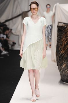 Alena Akhmadullina Russia Spring 2016 Fashion Show