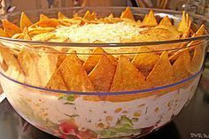 Taco-Salat Vegan taco salad with soybean cream and sour cream based on cashews. To and free, Try this delicious salad Make sure you have a recipe. Taco Salad Recipes, Taco Salads, Mexican Food Recipes, Pizza Recipes, Good Food, Yummy Food, Sausage Recipes, Party Snacks, Food Pictures