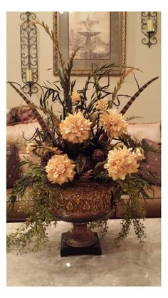 Silk floral arrangement I WOULD LIKE TOUCHES OF BERGUNDY