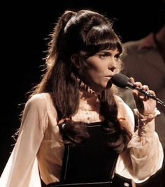 The Carpenters - Close To You HQ - Ballads and Love Songs - Baladas Karen Carpenter, Richard Carpenter, First Ladies, Karen Richards, Fiction, Bbc S, The Pretenders, Las Vegas Shows, Aretha Franklin