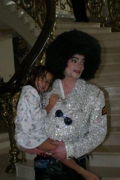 He Was A Gift... - Michael Jackson foto (10389315) - Fanpop Michael Jackson Fotos, Michael Jackson Funny, Michael Jackson Wallpaper, Chris Tucker, Jackson Family, Jackson 5, Elizabeth Taylor, Michael Jackson Invincible, Hee Man