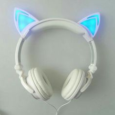 LED Katzen Ohr Kopfhörer The Effective Pictures We Offer You About Cat Accessories costume A quality Things To Buy, Girly Things, Stuff To Buy, Cat Ear Headset, Gaming Headset, Cat Headphones, Wireless Headphones, Organizer, Phone Accessories