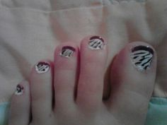 Tried to do the zebra effect. Didn't turn out that good but practice makes perfect.