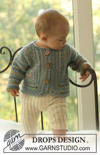 "DROPS vest in ribbelst van ""Fabel"" en broek in boordsteek van ""Alpaca"". ~ DROPS Design"