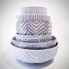 Instagram photo by @stilleben_dk via ink361.com Pottery Bowls, Ceramic Bowls, Ceramic Pottery, Pottery Art, Ceramic Art, Earthenware, Stoneware, Clay Studio, Hand Thrown Pottery