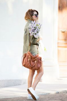 GIACCA MILITARE & FLORAL DRESS - OUFIT OF THE DAY