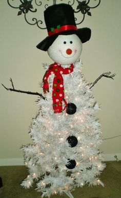 MY SNOWMAN TREE non traditional