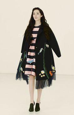 Awaylee李薇 女神的新装 海底世界系列 翻领落肩长袖海洋元素印花藏蓝色廓形外套