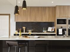 Waratah 325 - Fairhaven Homes RAVINE Sepia Oak and CREATEC Black