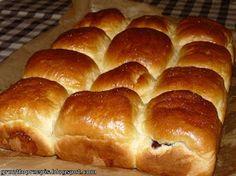 GRUNT TO PRZEPIS!: Maślane bułeczki przytulone z powidłami śliwkowymi Bread, Food, Brot, Essen, Baking, Meals, Breads, Buns, Yemek