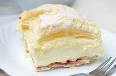 Himmlische Cremeschnitten Heavenly cream slices are a dreamy pleasure, for ambitious hobby chefs her Baking Recipes, Cake Recipes, Dessert Recipes, Food Cakes, German Baking, Austrian Recipes, Sweet Bakery, Cakes And More, No Bake Cake
