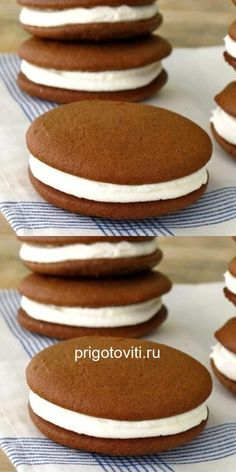 Whoopi cakes are so easy to make and incredible!- Пирожные Вупи, так просто делать и невероят… Whoopi cakes are so easy to make and incredibly tasty. Quick Dessert Recipes, Donut Recipes, Cake Recipes, Cooking Recipes, Venezuelan Food, Jam Cookies, Sweet Pastries, Love Eat, Food Menu