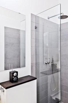 * Love the sophistication and simplicity of this bathroom! Washroom Tiles, Zen Bathroom, Bathroom Ideas, Room Inspiration, Interior Inspiration, Interior Architecture, Interior Design, Downstairs Toilet, Bathtub