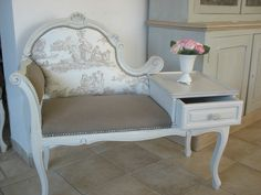 BANQUETTE TELEPHONE SHABBY