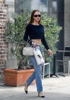 Lily-Rose Depp showed off her toned stomach while out on a coffee run with a blonde girl friend in Los Angeles on Friday. Johnny Depp's daughter looked effortless in a style get up as she left the cafe. Lily Rose Depp Style, Lily Rose Melody Depp, Vanessa Paradis, 90s Fashion, Fashion Outfits, Fashion Tips, Chubby Fashion, Street Fashion, Fashion Ideas