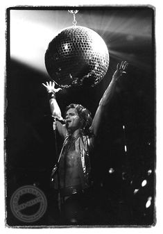 Earliest Van Halen Photos From Iconic Music Photographer Ross Halfin 80s Rock Bands, David Lee Roth, Music Photographer, Guitar Photography, Eddie Van Halen, Black Sabbath, Photo Book, Rock And Roll, Concert