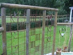 """"""" head-slapping moments: it would be easy and fun to create fill-ins for the cattle panels, to make them more interesting and personalized. Garden Structures, Outdoor Structures, Metal Trellis, Cattle Panels, Raised Garden Beds, Rustic Interiors, Garden Art, Gardening Tips, Fence"""