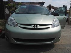 Toyota Sienna 2007 Model Available For Sale - Okolo Cars Lagos.