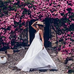 Spring Hats, Summer Hats, Glam Photoshoot, Photoshoot Ideas, Dps For Girls, Spain Fashion, Diva Boutique, Mexican Dresses, Vogue Covers