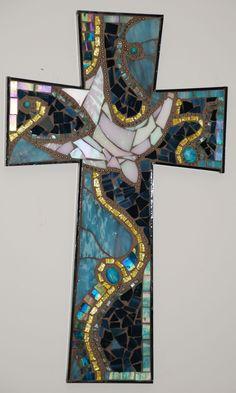 'Spirit Dove,' by Grace Gibson, a stunning, beautifully-designed mosaic cross Mosaic Crafts, Mosaic Projects, Mosaic Art, Mosaic Glass, Crosses Decor, Wall Crosses, Mosaic Designs, Mosaic Patterns, Stain Glass Cross