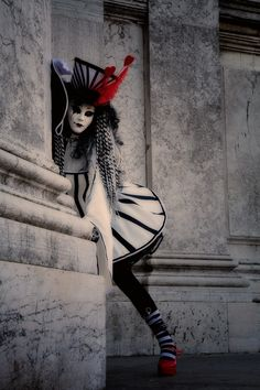 Gothic Wonderland by Jim Zuckerman Venice Carnival ~Ballo in Maschera~ Carnival Of Venice, Carnival Masks, Carnival Costumes, Carnival Girl, Circus Fashion, Pierrot Clown, Dark Circus, Send In The Clowns, Night Circus