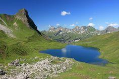 Die+schönsten+Wanderwege+im+Allgäu Beautiful Places To Travel, Wonderful Places, Beautiful World, Reisen In Europa, Wanderlust Travel, Places To See, Travel Inspiration, Travel Destinations, Scenery