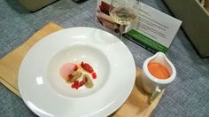 Gazpacho de cerezas con buey de mar y tomates. Segundos creación del chef @jesusalmagro