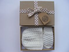 Newborn Baby Bonnet and Mittens Set Hand by WoollywonderKnits