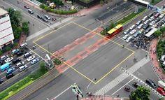 Efektifkan Fungsi Lampu Merah, Polri Rilis Yellow Box Junction | BINTOM