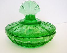 Vintage Depression Glass style trinket candy dish with lid Kelly Green Emerald green Art Deco design Ireland Christmas St Patrick's Day