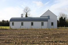 Hayfield — PG Architects Modern Bungalow Exterior, House Designs Ireland, Quonset Hut Homes, Scotland Culture, Zinc Roof, Cottage Extension, Stone Cottages, Rural House, Irish Cottage