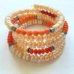 Bratara handmade din coral si perle de cultura