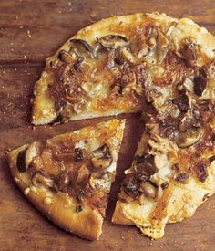 pizza with wild mushrooms & caramelized onions